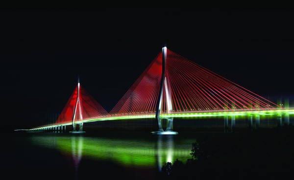 Cầu cần Thơ vào ban đêm